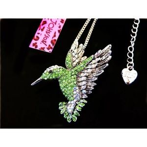 Betsey Johnson Green Crystal Hummingbird Necklace